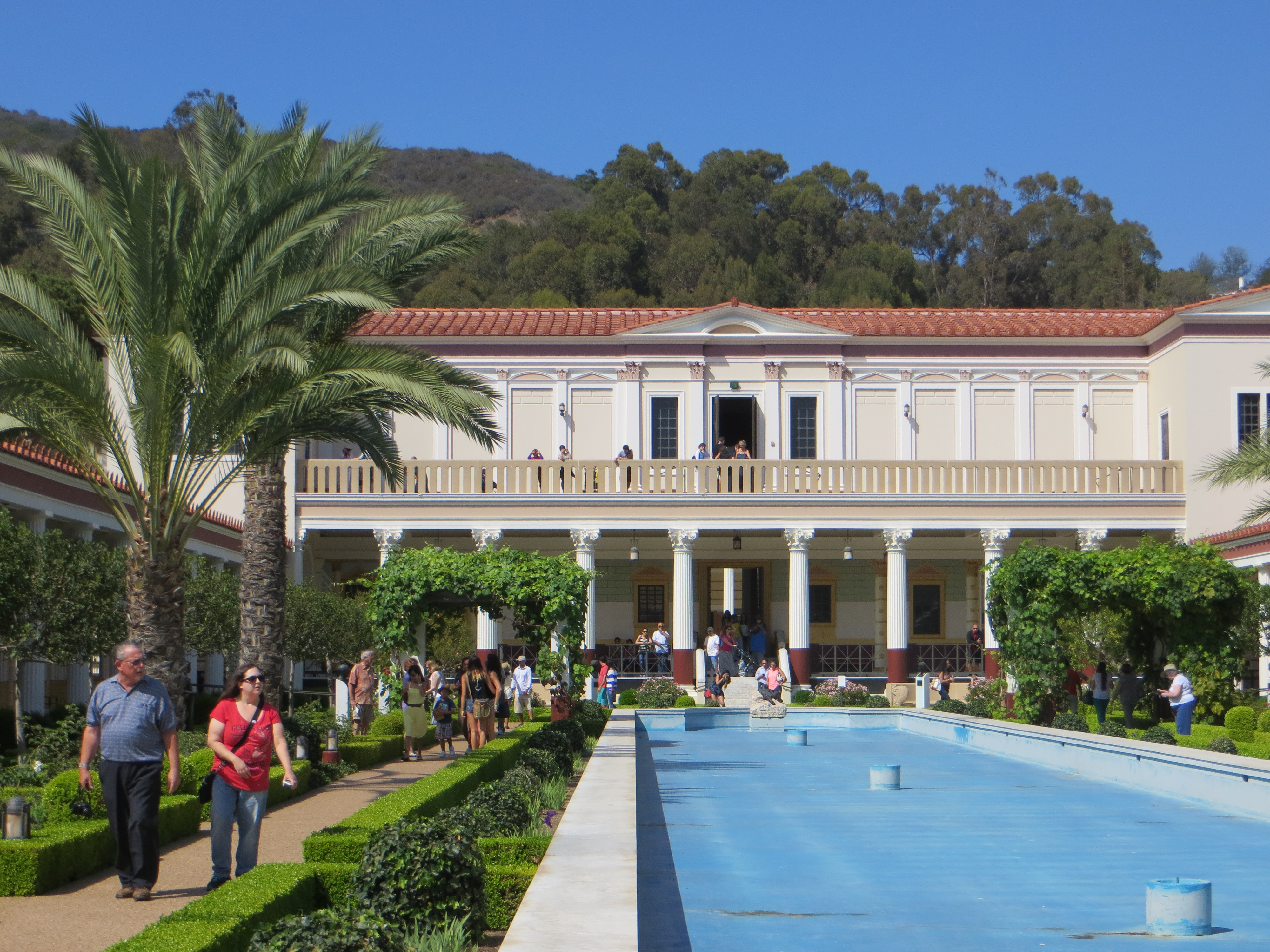 The getty villa california endless summer for Villas california